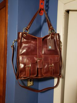 Messenger bag/Tuscany Leather for Sale in Pittsburgh,  PA
