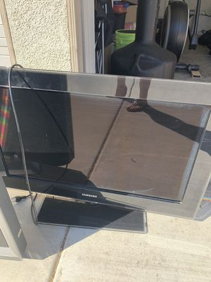 32 inch TVs. They work ! for Sale in Menifee, CA