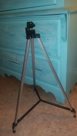 3-legged tripod stand for Sale in Port Arthur, TX
