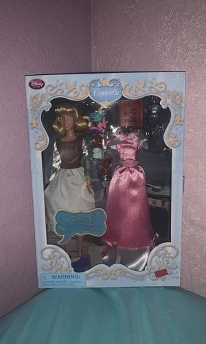 A singing Cinderella doll. In good condition! for Sale in Las Vegas, NV