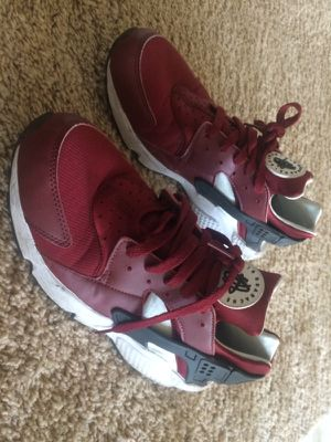Nike Air Huarache. Size 11. for Sale in Los Angeles, CA