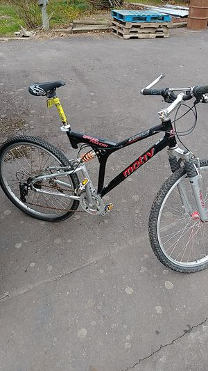 Mens mountain bike for Sale in Amity, OR