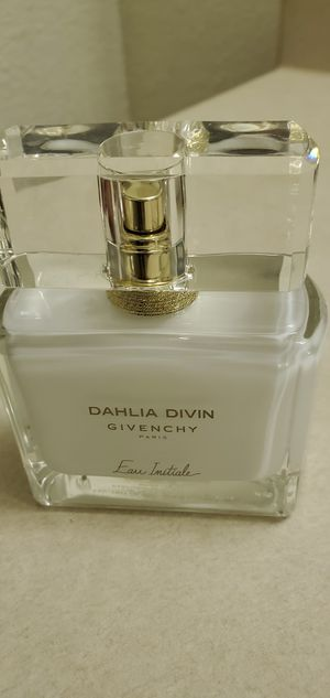 Givenchy Dahlia Divin Perfume A Masterpiece for Sale in Stockton, CA