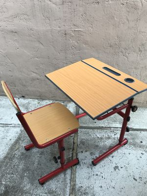Kids study/art desk and chair. for Sale in Mill Valley, CA