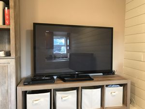 LG 50 inch tv for Sale in Lake Stevens, WA