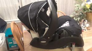 Evenflo infant car seat for Sale in Montclair, CA