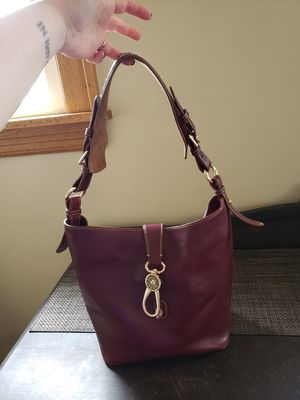 Dooney & Bourke Hobo Bag for Sale in Brooklyn, OH