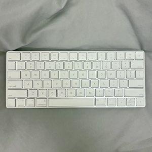 Apple Magic Keyboard 2 for Sale in Cupertino, CA