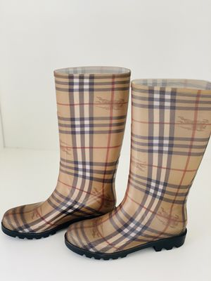 Burberry Long Rain boots for Sale in Fremont, CA