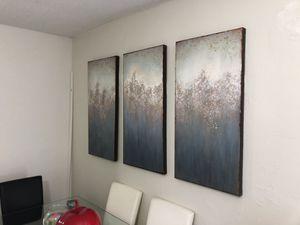 3 pieces canvas wall art , like new. Conjunto cuadros de 3 piezas for Sale in Miami, FL