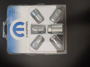Anti theft lug nutts! for Sale in Bakersfield, CA