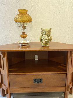 """Small Corner TV Table ( L 28"""" X W 16"""" X H 24"""" ) for Sale in Tacoma,  WA"""