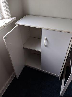 White bookcase cabinet for Sale in Alhambra, CA