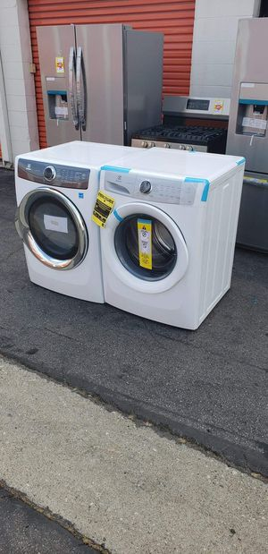 WASHER AND DRYER SET ELECTROLUX for Sale in Los Angeles, CA