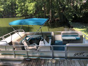 2000 Crest Sport 18ft Pontoon Boat for Sale in Virginia Beach, VA