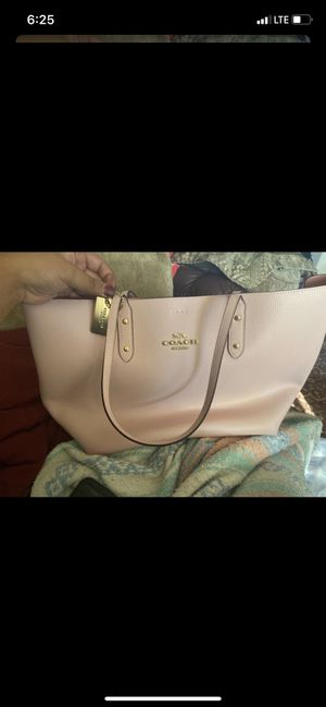 Pink Coach tote! for Sale in Puyallup, WA