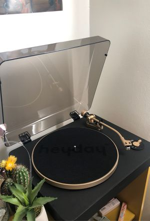 heyday wireless turntable/vinyl for Sale in Azusa, CA