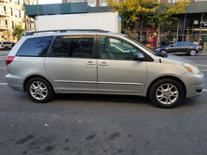 Toyota Sienna 2005 160,000 Miles $2,950 for Sale in New York, NY