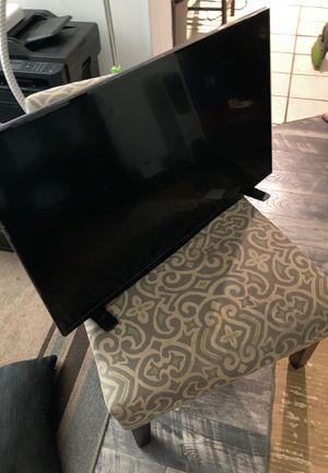 Insignia 40 inch tv for Sale in Atlanta, GA