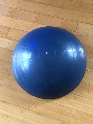 "Bosu Ball 22"" 55cm Like new condition for Sale in Tampa, FL"