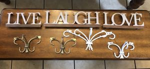 METAL WALL DECOR•LIVE•LAUGH•LOVE•4 SHELVES for Sale in San Antonio, TX