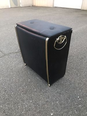 Nice black laundry basket for Sale in Patterson, CA