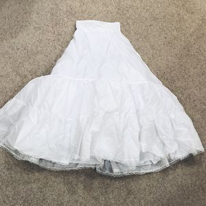 Skirt Under the Wedding Dress for Sale in Park Ridge, IL