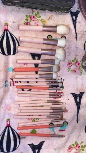 20 piece make up brush set for Sale in Phoenix, AZ