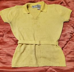 Carolyn Taylor Womens Shirt Blouse Top Sweater Pullover Short Sleeves Yellow L for Sale in Brooklyn,  NY