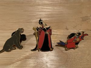 DISNEY COLLECTOR PINS - 1 1/2 INCHES - JAFAR , BIRD & PANTHER for Sale in Modesto, CA