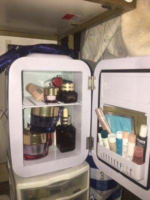 Flawless Beauty Mini Skincare Fridge for Sale in Fresno, CA