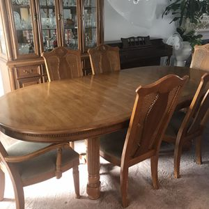Dining Table W/China Cabinet for Sale in San Diego, CA
