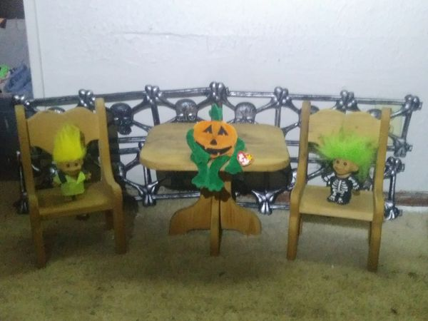Small table and chairs for decor