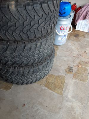 Set of 4 tires 80 90 % life on it for Sale in Burleson, TX