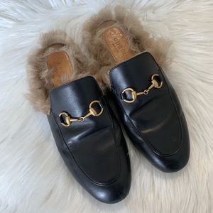 Gucci black fur leather slippers Size 7 for Sale in New York, NY