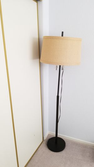 Standing Floor Lamp for Sale in Las Vegas, NV