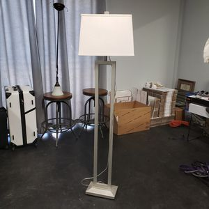 EXCELLENT CONDITION Modern Floor Lamp for Sale in Tempe, AZ