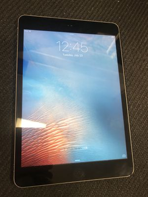 iPad Mini 2 Black + Charger for Sale in Petersburg, VA