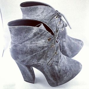 fahrenheit Anne-31 Women's Lace Up Boot size: 6.5, 8.5 for Sale in Fort Lauderdale, FL