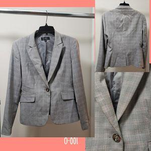 Size 8. Career suit (Jacket) for Sale in Alexandria, VA