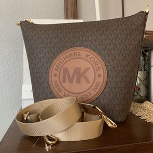 New MK Crossbody price firm for Sale in Haltom City, TX
