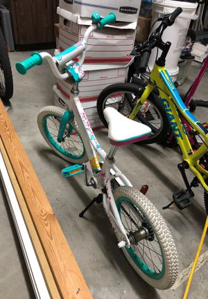 Kids bike - giant 16 inch almost new for Sale in Miami, FL