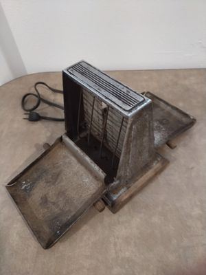 Old style electric toaster for Sale in Oretech, OR