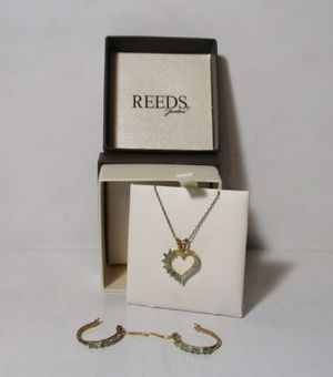 Reeds Jewelers diamond emerald heart necklace and earrings set kn1000 for Sale in Horn Lake, MS