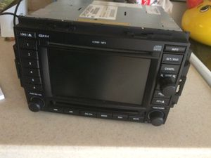Navigation unit for 2006 Jeep Commander/grand Cherokee navigation radio unit for parts/repair for Sale in West Hartford, CT