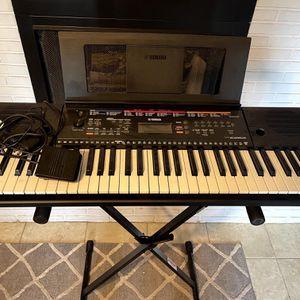 Yamaha Keyboard for Sale in Fort Pierce, FL