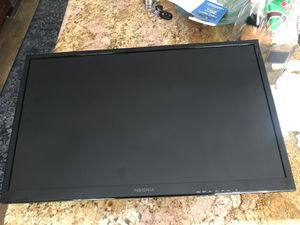 "Insignia 28"" LED with Wall Mount for Sale in West Los Angeles, CA"