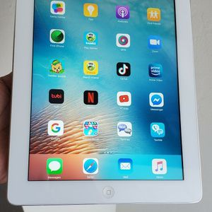 iPad 2nd Generation 16GB Icloud Unlocked In Perfect Working Condition On iOS 9.3.5.. for Sale in Bakersfield, CA