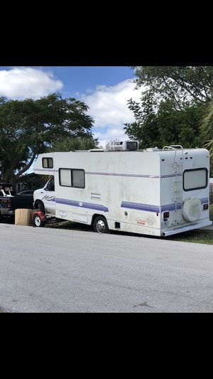 1996 Winnebago RV MUST SELL ASAP $1750. for Sale in Pompano Beach, FL
