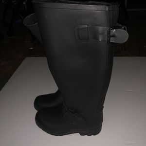 Rain boots size 7 for Sale in UNIVERSITY PA, MD